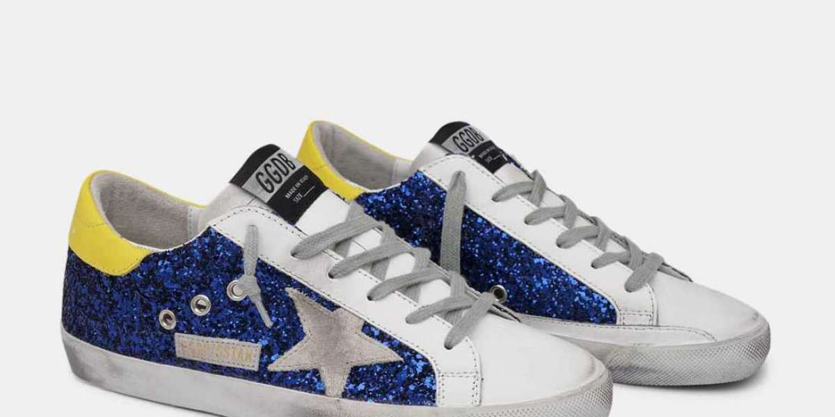 Golden Goose Sneakers Outlet two